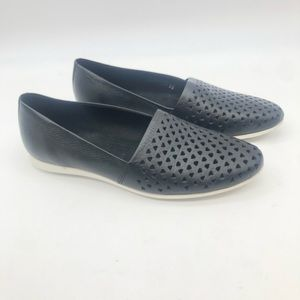 Ecco 39 8.5  Touch Perforated Flat Black shoes.